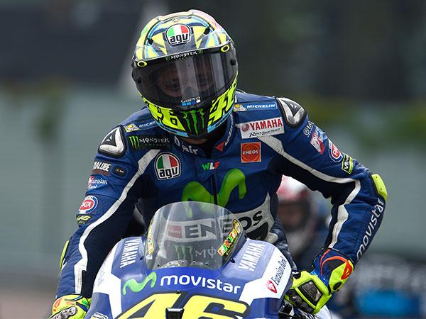 Alami Kecelakaan Hebat Hingga Motornya Hancur, Bagaimana Kondisi Valentino Rossi?