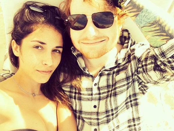 Setahun Lebih Berpacaran, Ed Sheeran Kini Kembali Jomblo?