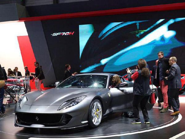 Mobil Terkuat Ferrari Superfast Akan Segera Hadir di Indonesia!