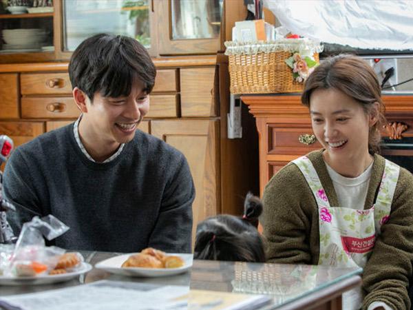 Chemistry Manis Gong Yoo, Jung Yoo Mi, dan Anaknya di Film Kim Ji Young, Born 1982
