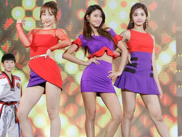 Tolong Seolhyun AOA Saat Jatuh Di Panggung, Hani EXID dan Tzuyu TWICE Buat Kagum Netizen