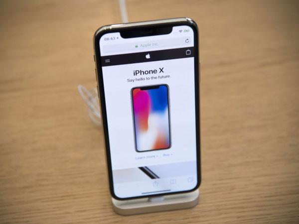 Apple Akan Hilangkan 'Poni' iPhone X pada Generasi iPhone Selanjutnya?
