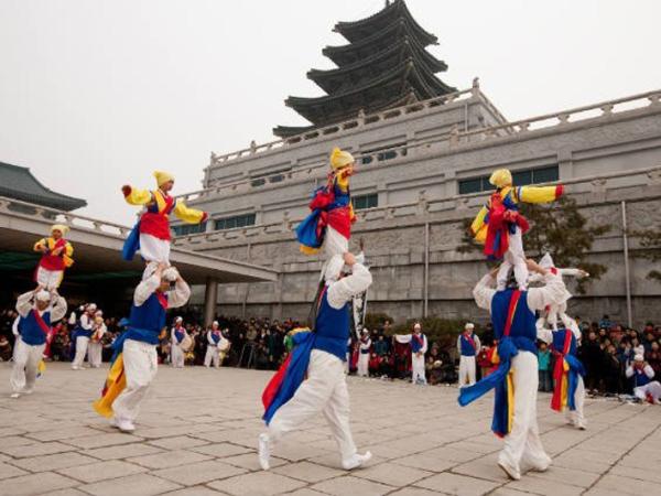 Korea Selatan Jadi Destinasi Wisata Terpopuler Saat Tahun Baru Imlek