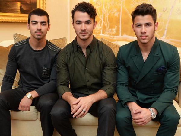 Ada Kemungkinan Jonas Brothers Reunian, Twitter Heboh!