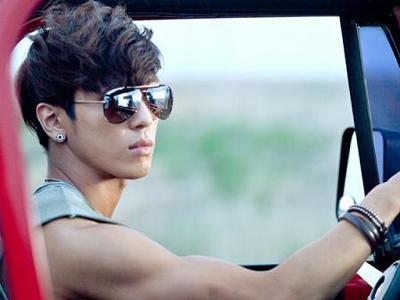 Jung Yonghwa Tampil di MV Juniel 'Stupid'