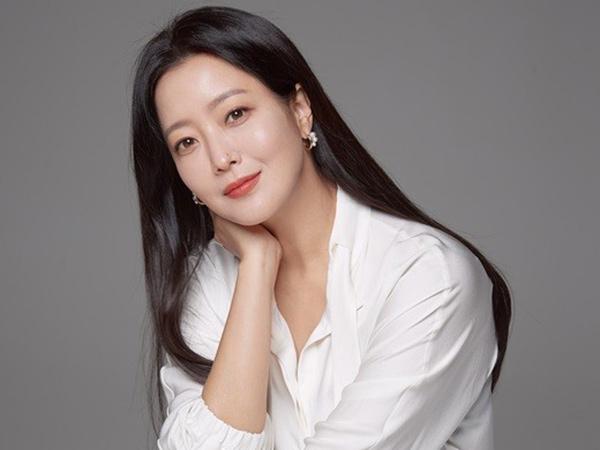 Kim Hee Sun Dikabarkan Bintangi Drama Fantasi Baru