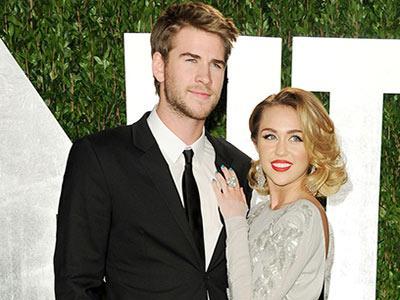 Miley Cyrus & Liam Hemsworth Bertingkah Seperti Tidak Saling Kenal?