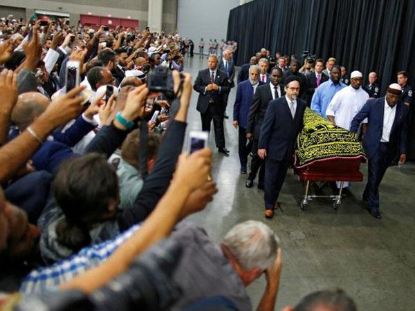 Prosesi Pemakaman Muhammad Ali Digelar Khusyuk dengan Tradisi Islam