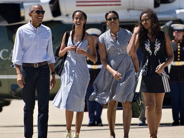 Jet Pribadi yang Membawa Obama dan Keluarga Tiba di Bali