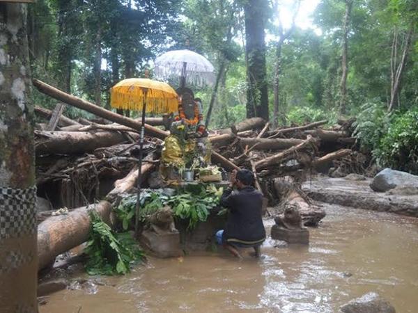 Pura di Bali Hancur Diterjang Banjir, Hanya Patung Ganesha Ini yang Selamat