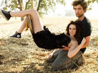 Wow, Kristen Stewart dan Rob Jadi Pasangan dalam Film Berpendapatan Terbesar