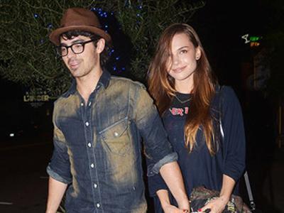 Ini Saran Fashion untuk Joe Jonas dari Sang Pacar