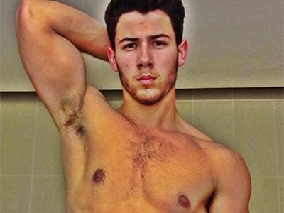 Wah, Nick Jonas Pamer Abs di Instagram!