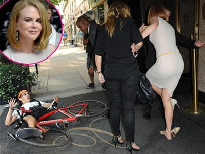 Nicole Kidman Tertabrak Sepeda Paparazzi Usai Hadiri New York Fashion Week