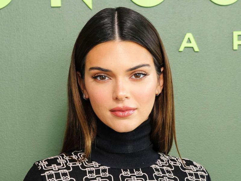 Ikuti Rutinitas Skincare Ala Kendall Jenner dengan Masker Alami
