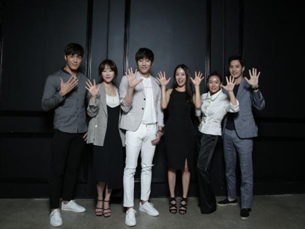 Drama Produksinya Sukses, Para Staf dan Pemain 'Another Miss Oh' Liburan Bareng