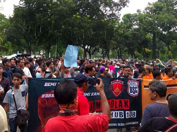 Demo di Kemenhub, Pengemudi Taksi Online Minta 4 Aturan Ini Dihapus!