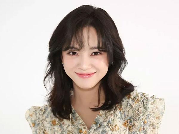 Kim Sejeong Perbarui Kontrak dengan Jellyfish Entertainment