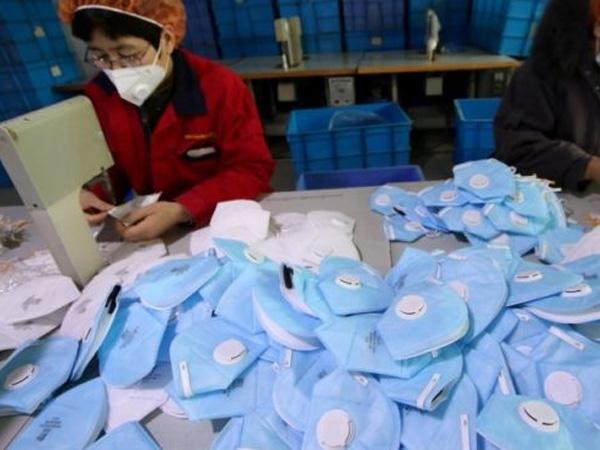 Mirisnya Harga Masker di Cina Naik Fantastis Hingga Jutaan Per Kotak