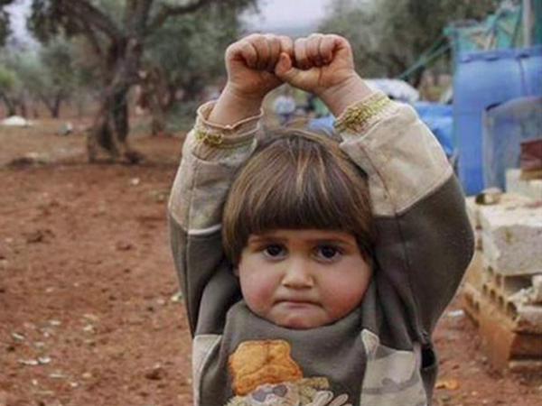 Hudea, Bocah Suriah yang 'Menyerahkan Diri'