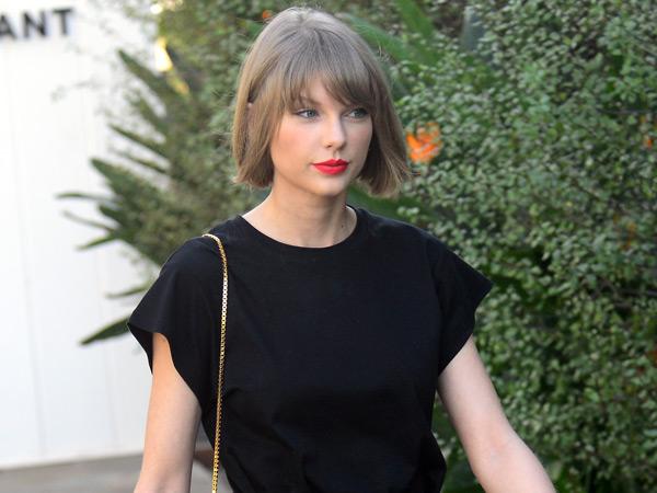 """Dilecehkan Saat Acara 'Meet and Greet', Taylor Swift: """"Aku Merasa Panik, Stres, dan Direndahkan"""""""