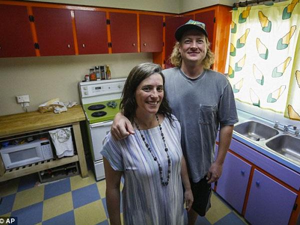 Ngefans Berat, Pasangan ini 'Sulap' Dapur Rumah a la 'The Simpsons'
