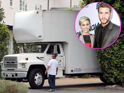 Truk Besar Angkut Barang Liam Hemsworth dari Rumah Miley Cyrus