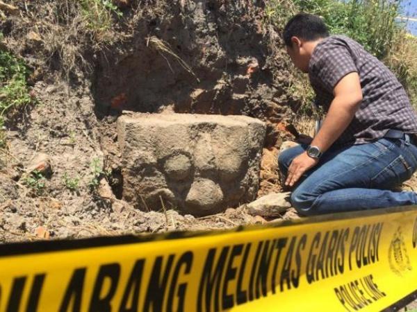 Geger! Penemuan Arca Kepala Kala yang Diduga Kompleks Candi Besar di Blitar