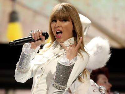 Taylor Swift Tantang Para Mantan untuk Tulis Lagu Tentang Dirinya