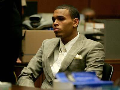 Pakai Ganja, Chris Brown Bebas Hukuman