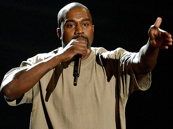 Kanye West Tak Akan Rilis Album Dalam Bentuk CD