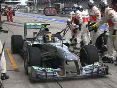 Duh, Hamilton Nyasar ke Pit McLaren