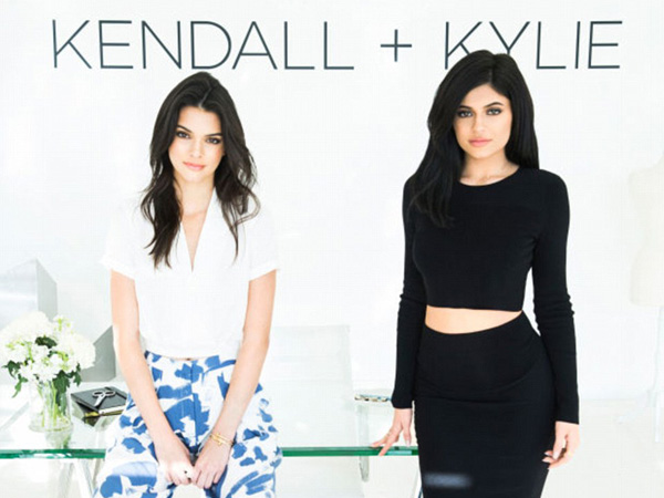 Kendall & Kylie Jenner Resmi Luncurkan Koleksi Fashion Perdananya Lewat Brand 'Kendall + Kylie'!