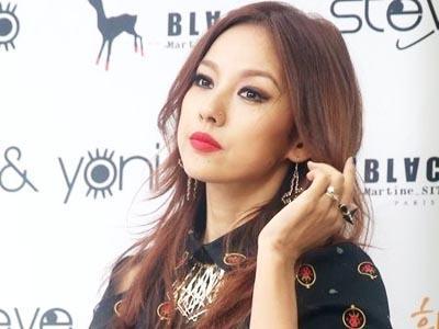 Lee Hyori Bangga dengan Cincin Tunangan dari Lee Sang Soon