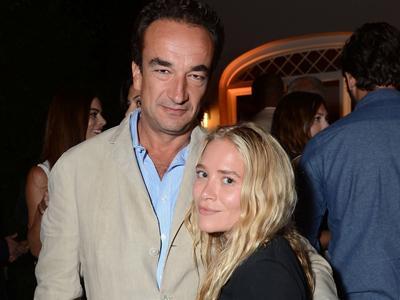 Dilamar Pengusaha Bank, Mary-Kate Olsen Pamer Cincin Berlian Raksasa