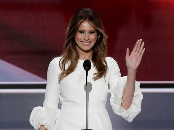 Foto Bugil Istri Trump Dirilis, Justru Beri Efek Positif Untuk Kaum LGBT?