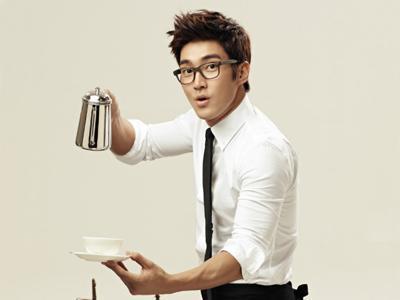 Siwon Super Junior Sekarang Jadi Barista!