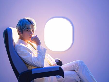 Sudah Rilis! Ini Suara Merdu Taeyong NCT Dalam MV 'Long Flight'