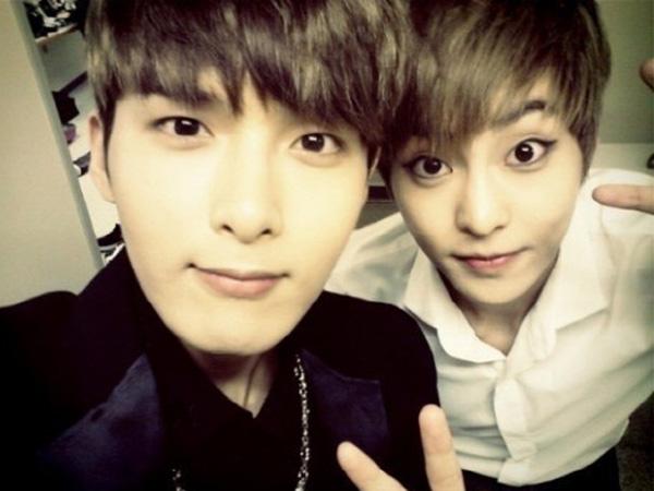Xiumin Curhat Soal Tiga Tahun Debut EXO, Ryeowook Super Junior Berikan Nasihat