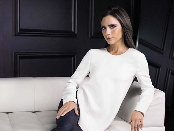 Bantu Penderita HIV, Victoria Beckham Jual 600 Pakaiannya