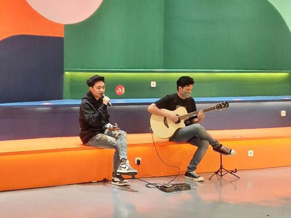 Pengalaman Pribadi, Mahen Bahas Album Baru 'Sebuah Cerita' di FridayKustik