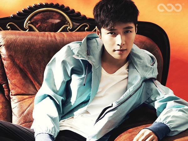 Lay EXO Ceritakan Kecemasan Debut Sebagai Idola K-Pop di Photobook Terbarunya