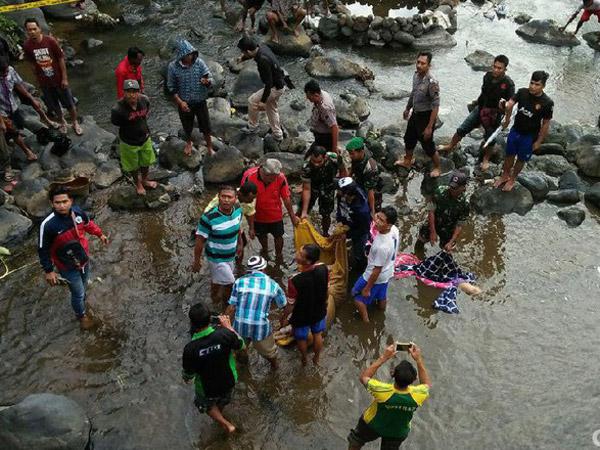 Rangkaian Fakta dari Temuan Mayat Pasutri Terbungkus Bed Cover Dibuang di Sungai
