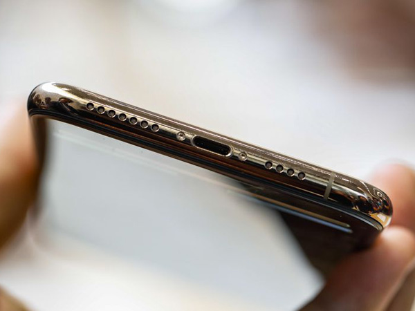 Pengguna Keluhkan iPhone XS dan XS Max Sulit Diisi Ulang Daya