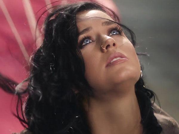 Dianggap Plagiat, MV 'Rise' Katy Perry dapat Kritikan Pedas!