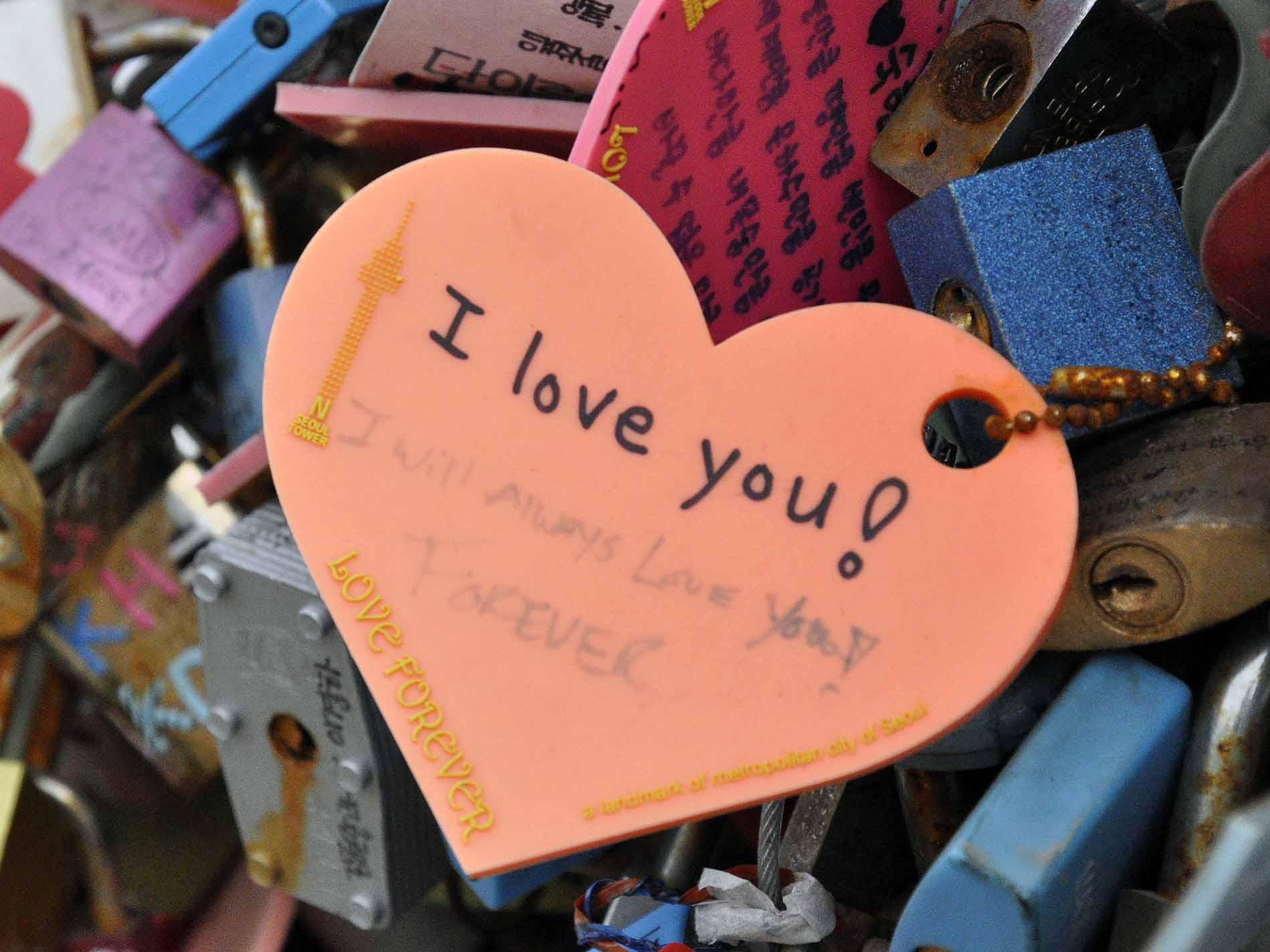 Wah, Ternyata 90% Warga Dunia Ingin Memiliki Kekasih Orang Korea!