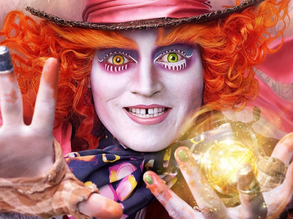 Sambut Perilisan 'Alice in The Wonderland 2', Johnny Depp Kejutkan Fans di Disneyland!