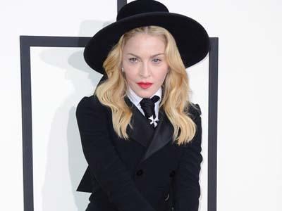 Wah, Madonna Akan Sutradarai Film Romantis Beda Agama?