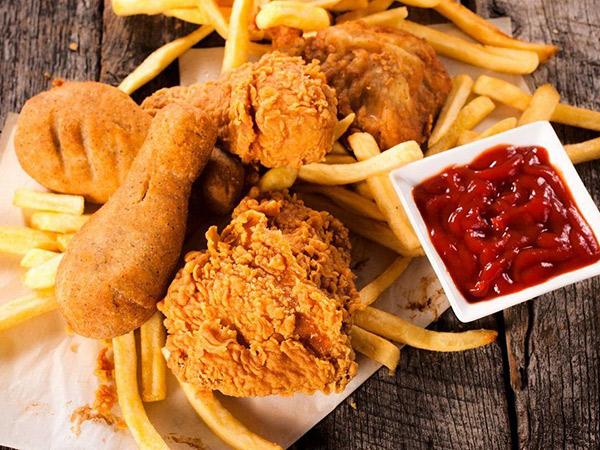 Alasan Orang Gemar Makan Makanan Berlemak Saat Sedih Atau Galau