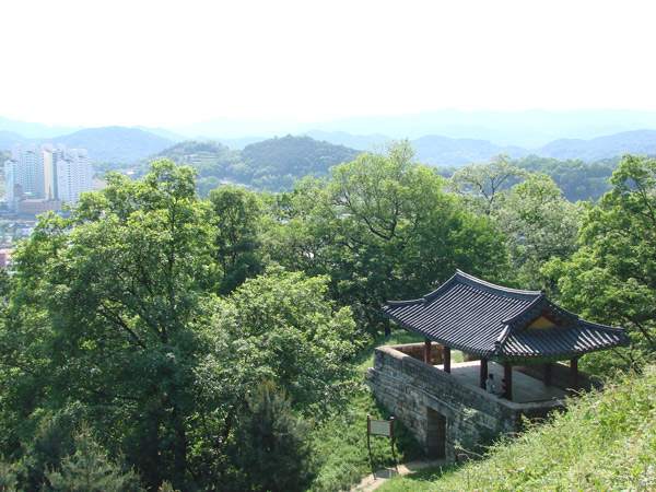 Menjelajahi Kota Sejarah Era Baekje di Gongju Korea Selatan